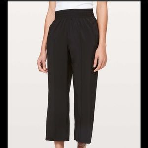 Lululemon Wanderer crop pants in swift fabric